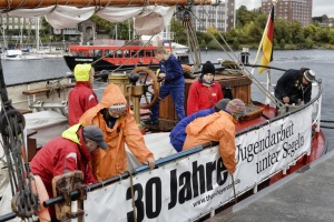 und in Kiel regenet es
