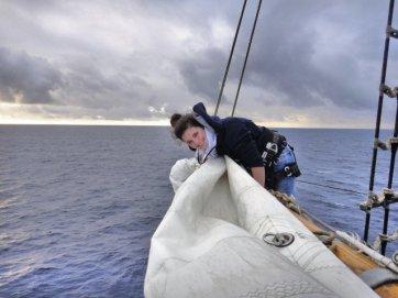 Segelpacken auf See