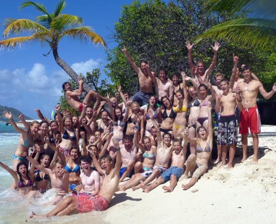 Von dem wunderschönen Strand auf Palm Island ...