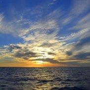 ... dem Sonnenuntergang entgegen.