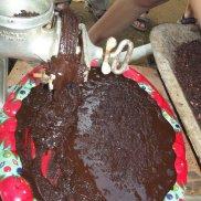 Am nächsten Tag dürfen wir unsere eigenen Kakao herstellen ...